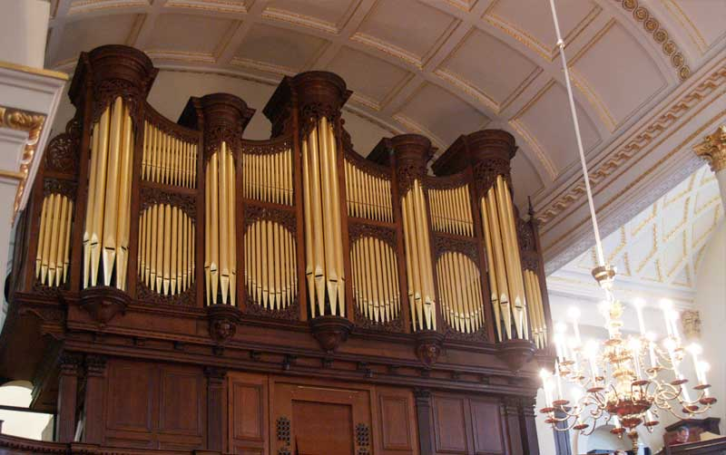 Donated money helped St George's Hanover Square church get a new organ 2