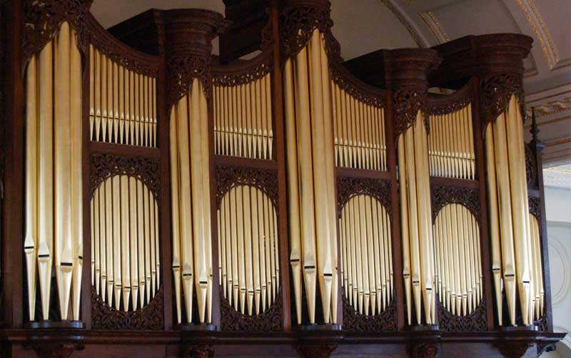 Donated money helped St George's Hanover Square church get a new organ 3